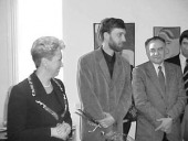 Министр здравоохранения РФ, профессор Татьяна Дмитриева открывает персональную выставку Ильи Комова.